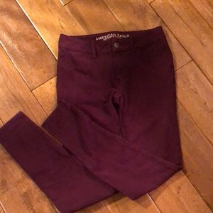 American Eagle Burgundy Jegging